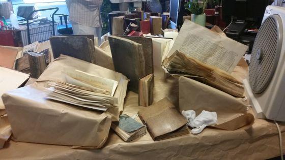 Los hongos dañan 1.000 libros de la Biblioteca Histórica Municipal