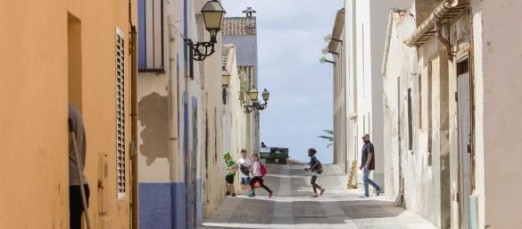 Vecinos de Tabarca alertan de que hay una plaga de pulgas en la isla